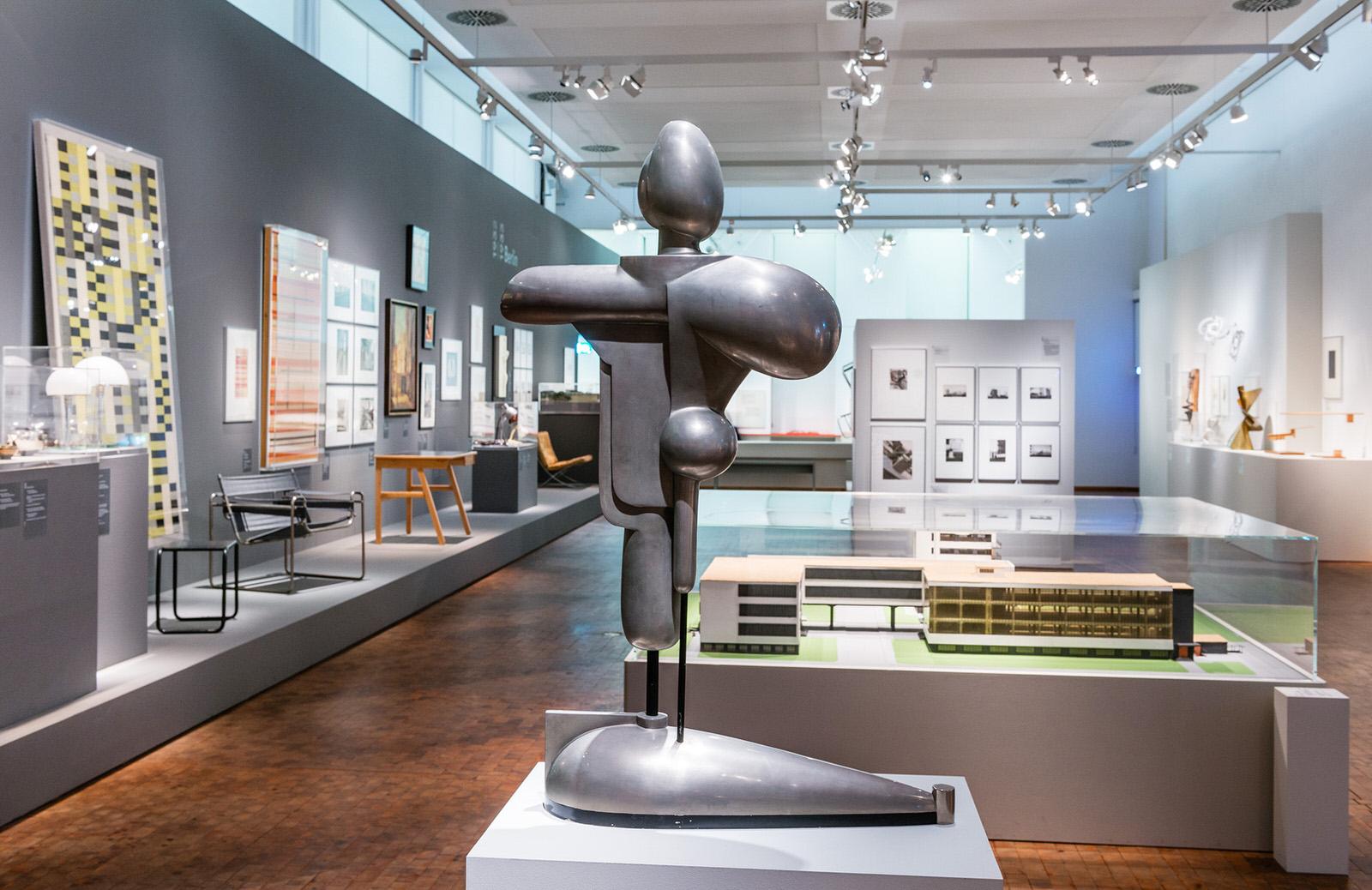 Colecci n bauhaus el legado de la escuela de dise o m s - Bauhaus iluminacion interior ...